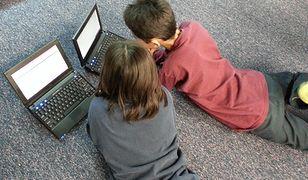 Dzieci coraz częściej mają do czynienia ze sprzętem elektronicznym