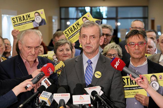 Szef Związku Nauczycielstwa Polskiego Sławomir Broniarz informuje o planach strajku w oświacie