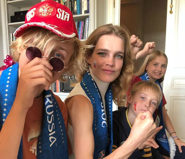 Kiedy Rosja grała poprzedni mecz, Natalia także kibicowała, tyle że zamiast koleżanek z branży, towarzyszyły jej dzieci.