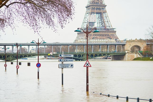 Paryż o krok od największej powodzi od 30 lat. Sytuacja staje się coraz bardziej dramatyczna