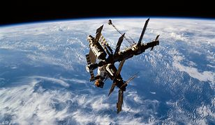 To miał być rutynowy spacer kosmiczny. Zmienił się w trwającą 12 godzin walkę o życie