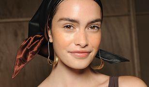 Jak skutecznie zakryć pory makijażem? Wypróbuj skutecznych trików na co dzień