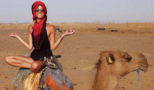 Lexie była zachwycona wizytą na Saharze