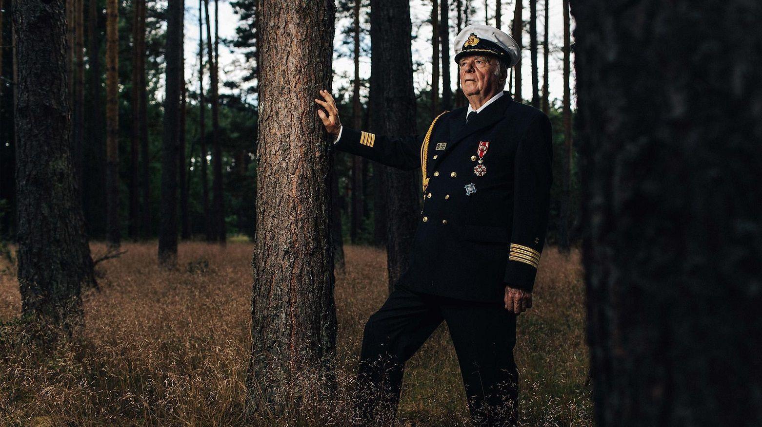 Baron Tuszyński na swojej działce pod Kępicami (woj. pomorskie)