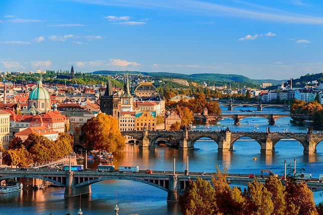 Koronawirus. Czechy zmieniają strategię ws. obostrzeń