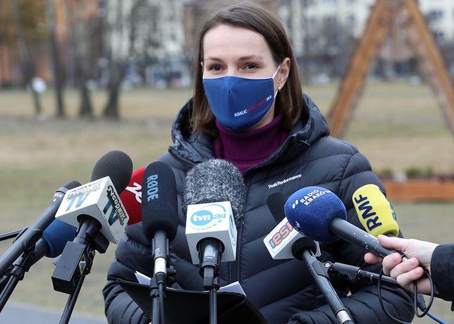 """Ferie zimowe 2021. Posłanka KO interweniuje u prezydenta. """"Jak trzeba, to nawet z Kaczyńskim będę rozmawiać"""""""