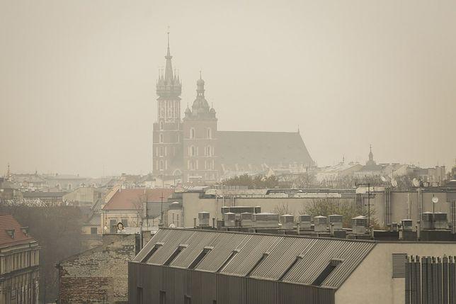 Smog Kraków 20 grudnia: fatalna jakość powietrza w Krakowie. Obowiązuje darmowa komunikacja