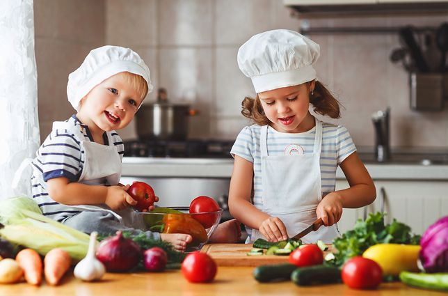 Przepisy kulinarne, które mogą wykonać dzieci. Łatwe dania dla maluchów
