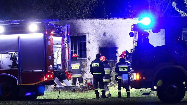Makabryczne odkrycie podczas gaszenia pożaru w Kaliszu. W pustostanie znaleziono zwęglone zwłoki