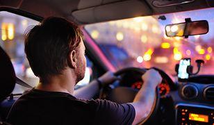 Od dziś kierowcy mogą zostawić w domu polisę OC i dowód rejestracyjny.