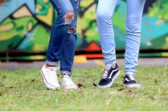 Jeansy noszą niemal wszyscy