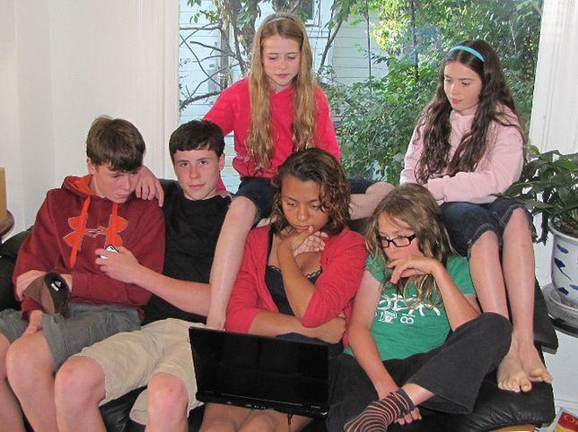 Pornografia, hazard i gry on-line, czyli nastolatki w internecie