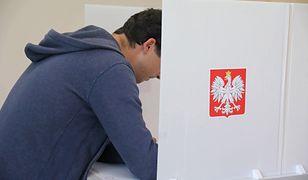 Urna na wybory parlamentarne 2019. Nadal zastanawiasz się, na kogo zagłosować?