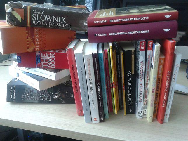 Z Polskiego Badania Czytelnictwa wynika, że mniej niż połowa Polaków przeczytała w zeszłym roku co najmniej jedną książkę