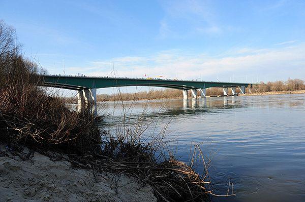 Ostry spór radnych - Ryszard Kukliński będzie patronem zjazdu z mostu Skłodowskiej-Curie