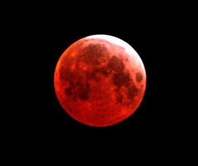 Księżyc zaświeci na czerwono