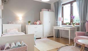 Dzięki dekoracjom wnętrz dom żyje, a ściany, półki i blaty nie straszą pustkami. I za to je uwielbiamy!