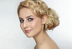Najmodniejsze fryzury na jesień 2015 - niedbałe fale, niesforne grzywki i warkocze