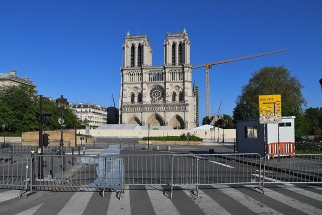 Darczyńcy z całego świata zadeklarowali przeznaczenie 850 mln euro na remont świątyni