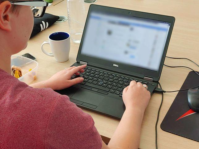 Facebook pozwala znaleźć informacje o osobach, których próżno szukać w oficjalnych bazach danych.