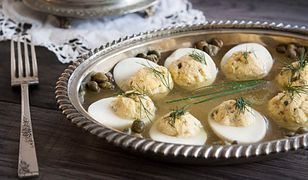 Jaja faszerowane na zimno z sosem tatarskim na sposób przedwojenny