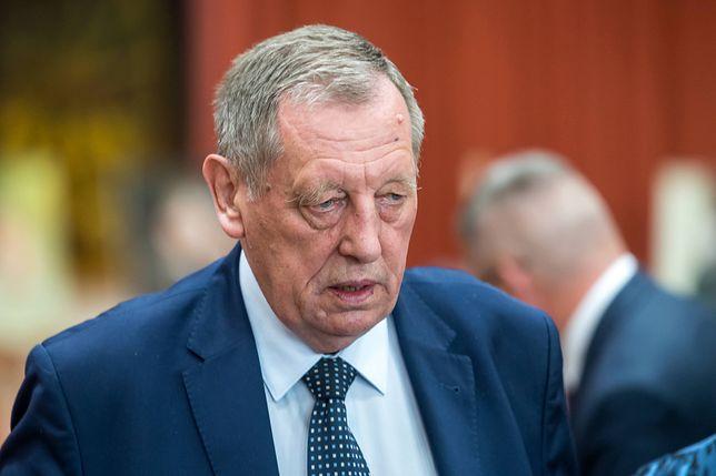 """Były minister środowiska Jan Szyszko tylko przekazał korespondencję od """"córki leśniczego"""""""