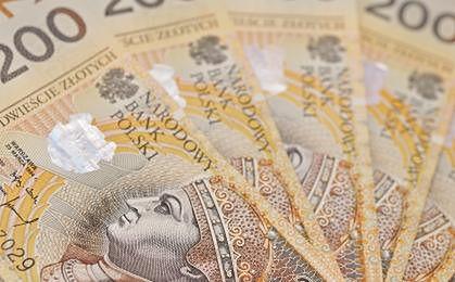GUS: przeciętne wynagrodzenie w II kwartale wzrosło o 3,5 proc. rdr