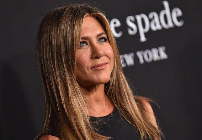 """Jennifer Aniston w skórzanych spodniach zachwyciła fanów serialu """"Przyjaciele"""""""