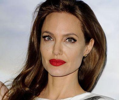 Widok pięknej kobiety wpływa na racjonalne myślenie mężczyzn