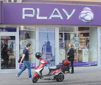 Oszuści wyłudzają od klientów doładowania do Play