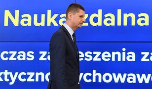 Koronawirus w Polsce. Rodzice o zakończeniu roku szkolnego. Minister edukacji narodowej Dariusz Piontkowski