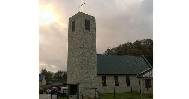 Kościół Ducha Świętego w Bochotnicy.