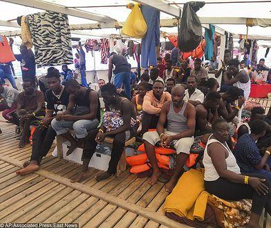 Włochy. Matteo Salvini odmawiaja przyjęcia imigrantów. Statek organizacji Open Arms już 12. dzień czeka na wpłynięcie do portu