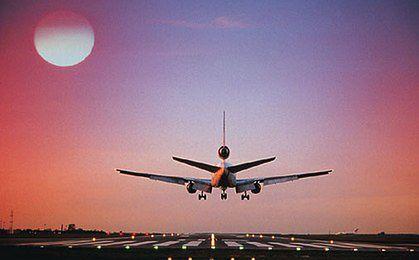 Samoloty czarterowe będą wozić turystów Itaki z Modlina