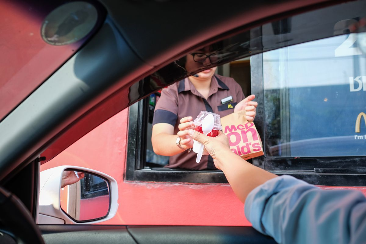 Z McDonald's na uczelnię wyższą. Po tym kierunku będziesz wiedział, jak kierować fast-foodem