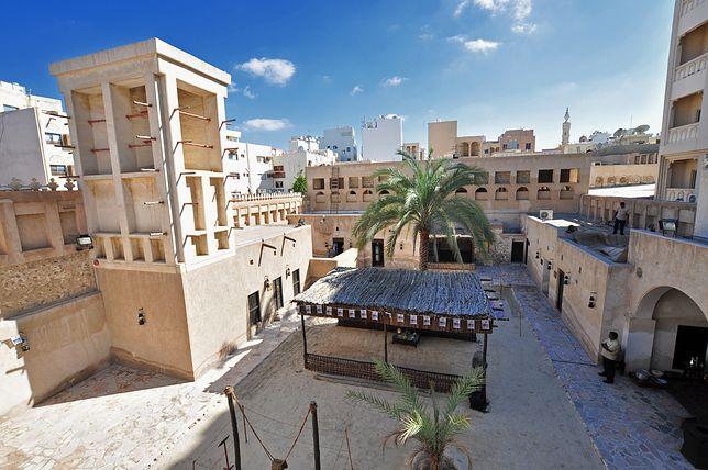 Obecnie w Dubaju mieszka ok. 3 mln osób, ale jeszcze w 1900 r. w niewielkiej osadzie nad Zatoką Perską żyło 10 tys. ludzi.