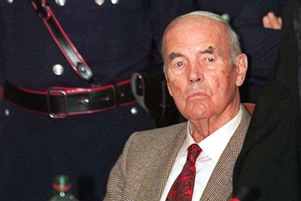 Erich Priebke w czasie procesu w 1996 roku