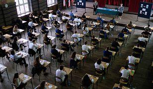 Wyniki egzaminów gimnazjalnych na Mazowszu błędne. CKE przelicza je na nowo
