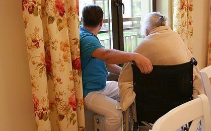 Opiekunowie niepełnosprawnych zyskają prawo do zasiłku dla bezrobotnych