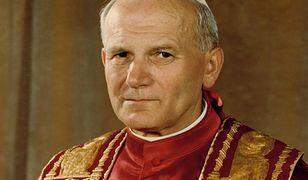 """""""Tej maty używał Jan Paweł II"""". Nie daj się nabrać oszustom podczas prezentacji"""