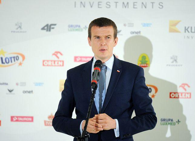 Witold Bańka nie da pieniędzy na modernizację toru łyżwiarskiego