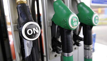 Rządowi się nie spieszy do walki z paliwową mafią
