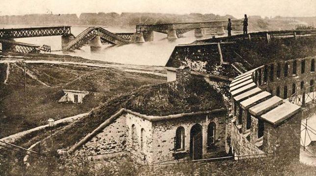 Tajemnice carskiego fortu Władimir (SPACERY)