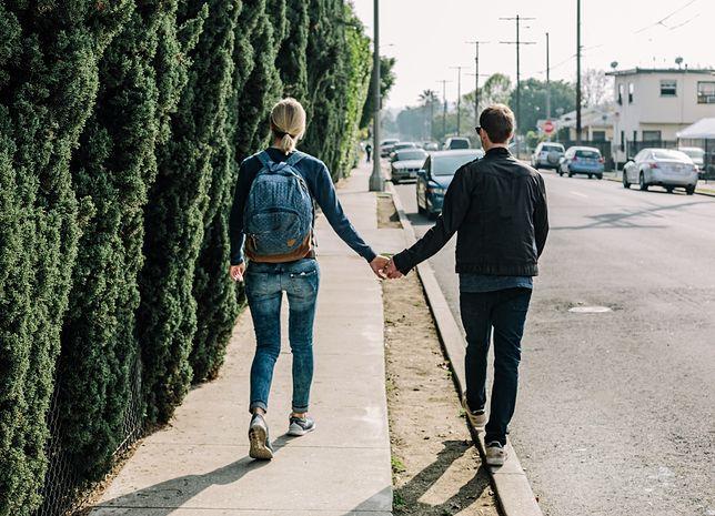 Wakacyjna miłość. Czym jest freckling, najnowszy trend w randkowaniu