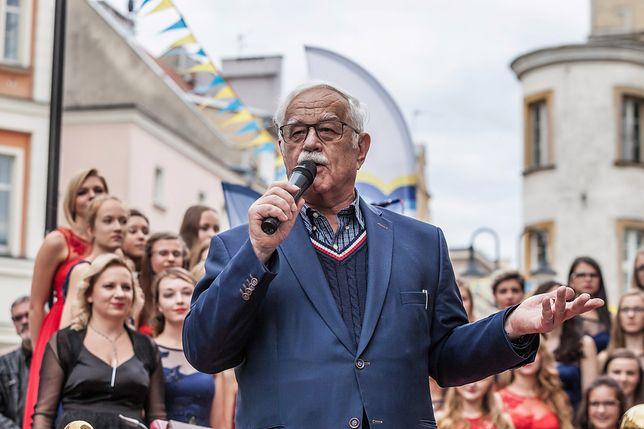 Przed benefisem Jan Pietrzak odsłonił swoją gwiazdę na Opolskiej Alei Gwiazd