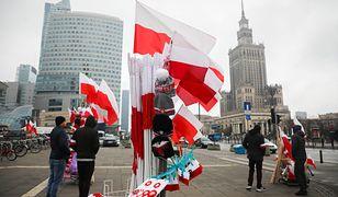 Święto Niepodległości. Przygotowania do obchodów 11 listopada w centrum Warszawy. Do Polski płyną życzenia z całego świata