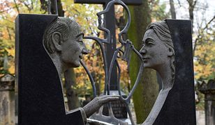 Stare Powązki - wybitne osobowości, artystyczne detale i... tragiczne historie miłosne