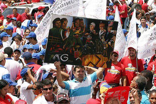Manifestacje za i przeciw antyrządowej TV w Wenezueli