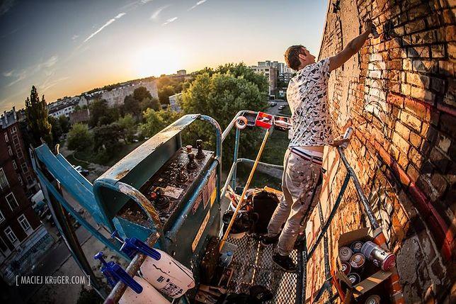 Litry farby i kilkadziesiąt godzin pracy. Niezwykły mural na Pradze (ZDJĘCIA)