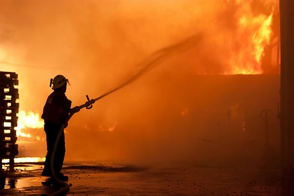 Chiny: 11 zabitych w pożarze magazynu